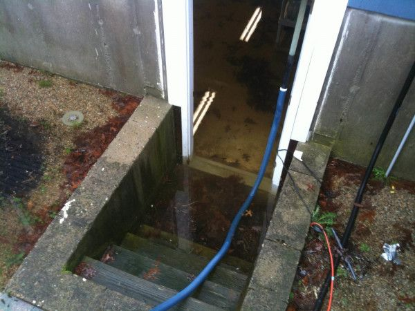 Water Damage Cleanup in Indian Wells, CA (5333)